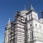 Gro- Dach Remont wieży kościoła na Placu Wolności